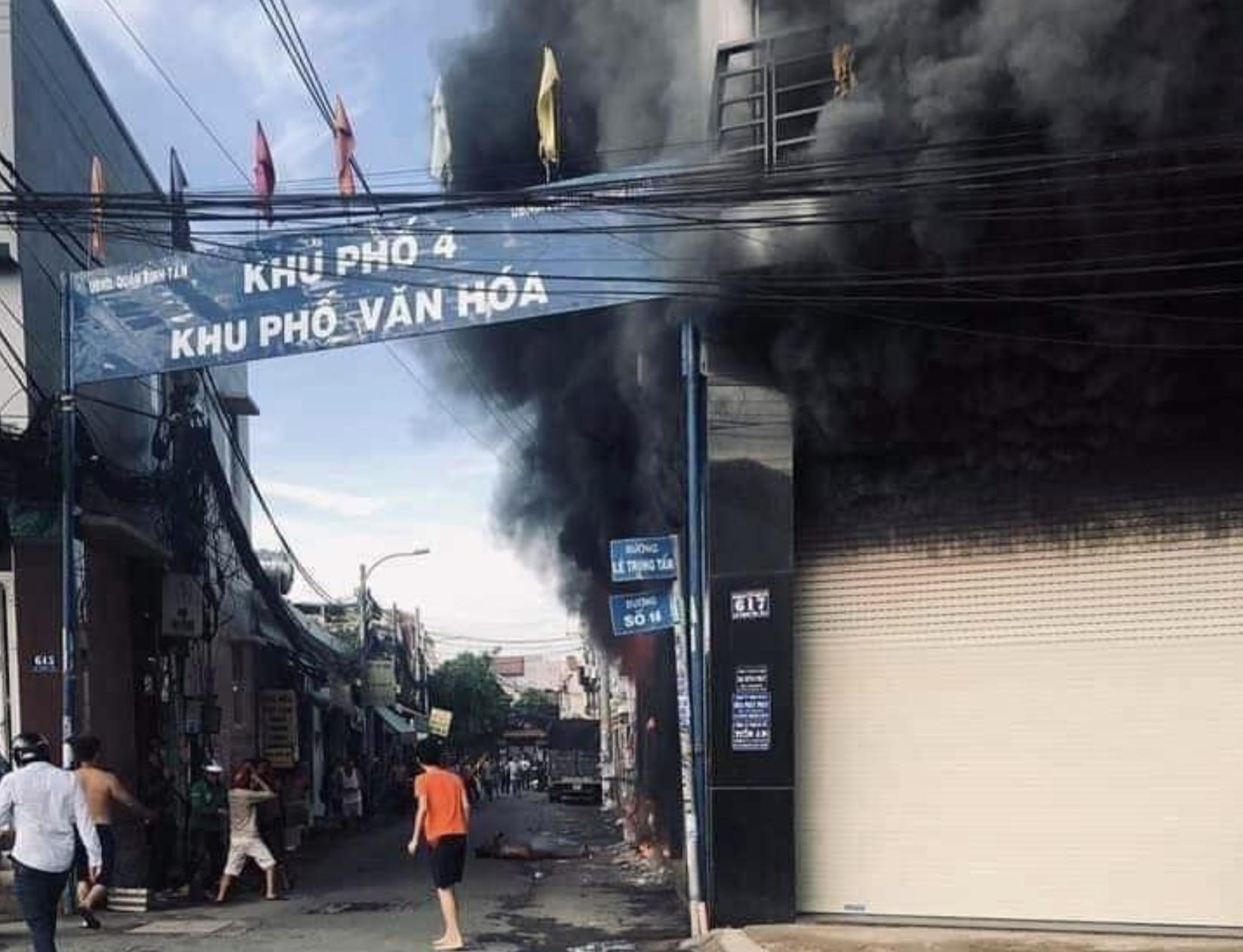 Vụ cháy xảy ra tại đường Lê Trọng Tấn, quận Bình Tân (TP.HCM).