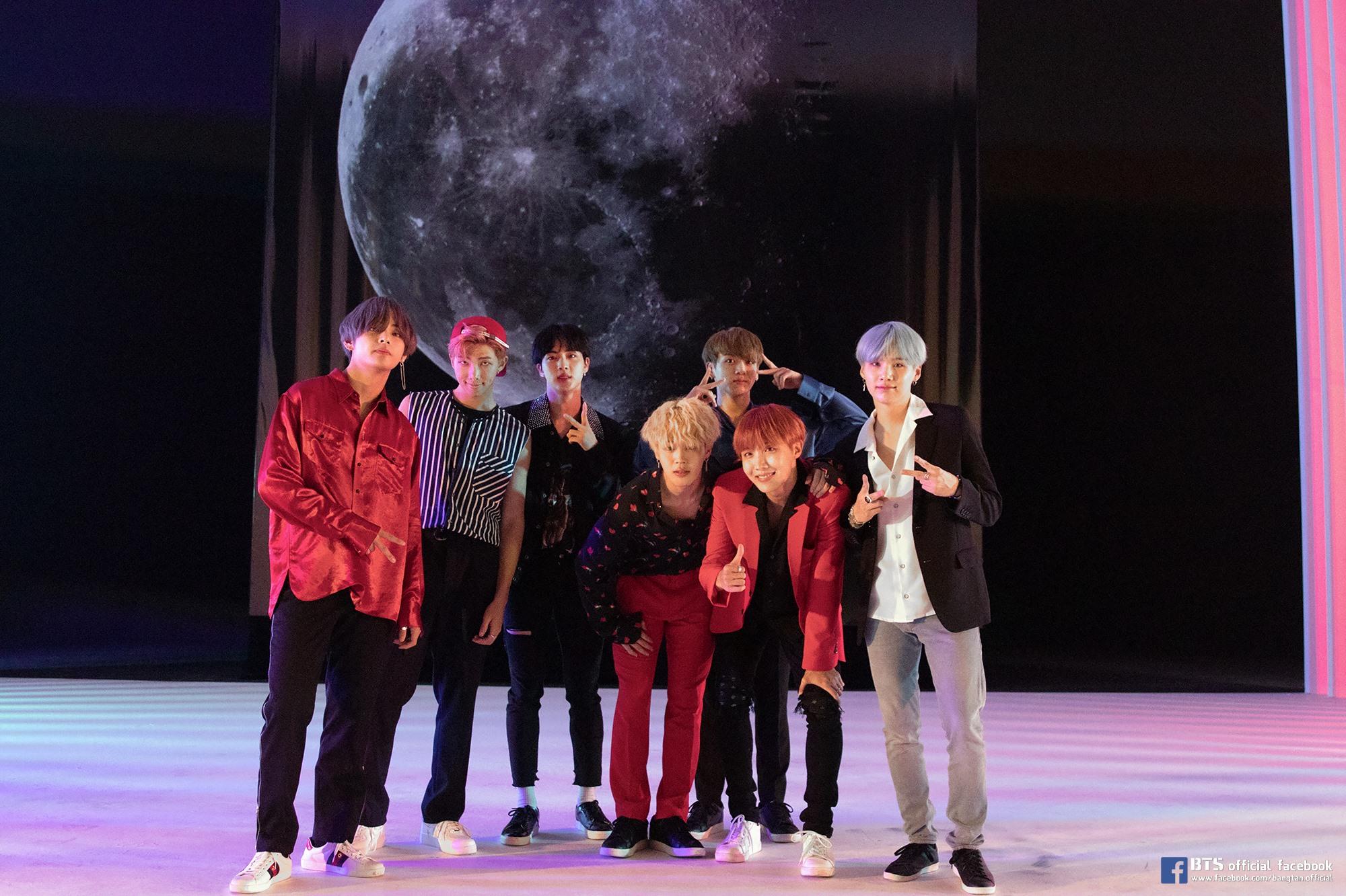 BTS mở đầu tháng kỉ niệm debut bằng thành tích ấn tượng: Bỏ túi MV tỉ view đầu tiên trong sự nghiệp 2