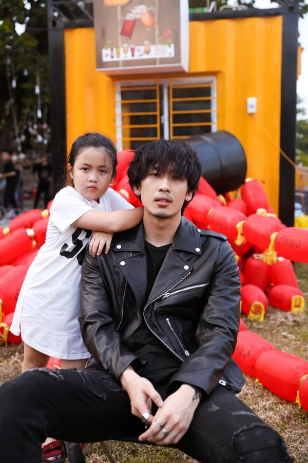 Tuấn Trần tình cảm cùng 'con gái' Ngân Chi trong bộ ảnh mừng Quốc tế thiếu nhi 5