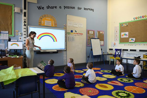 Lớp học giới hạn học sinh tại một trường tiểu học ở Queens.