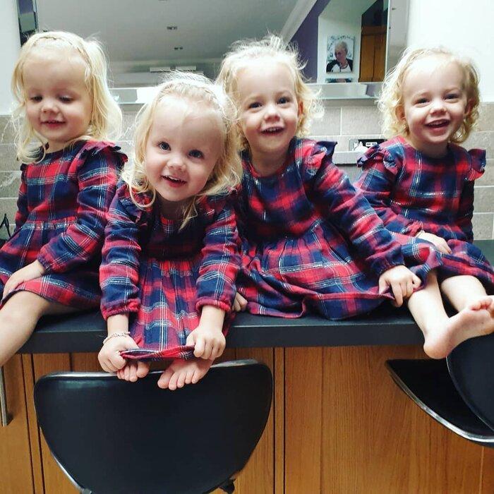 Ngỡ ngàng trước hình ảnh hiện tại của '4 bé gái trong ca sinh tư' thuộc trường hợp hiếm trên thế giới sau 3 năm gây 'bão' cộng đồng mạng 4