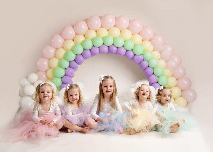 Ngỡ ngàng trước hình ảnh hiện tại của '4 bé gái trong ca sinh tư' thuộc trường hợp hiếm trên thế giới sau 3 năm gây 'bão' cộng đồng mạng 8