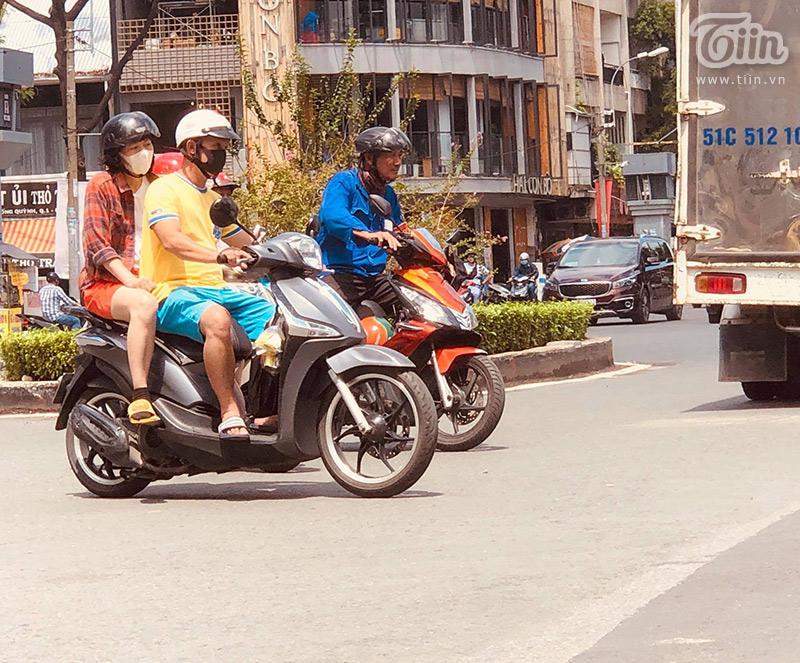 Sài Gòn vào mùa 'sáng nắng, chiều mưa': Đến nhanh, đi nhanh để lòng người vương vấn 1