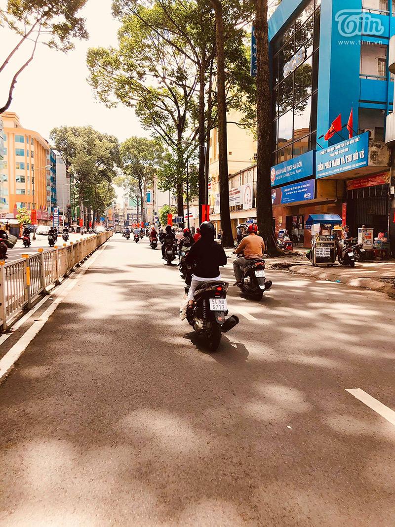 Sài Gòn vào mùa 'sáng nắng, chiều mưa': Đến nhanh, đi nhanh để lòng người vương vấn 2