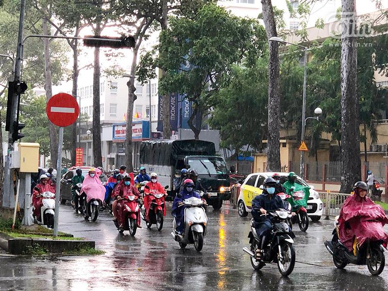 Sài Gòn vào mùa 'sáng nắng, chiều mưa': Đến nhanh, đi nhanh để lòng người vương vấn 6