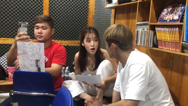 Gin Tuấn Kiệt tập hát cho Puka.