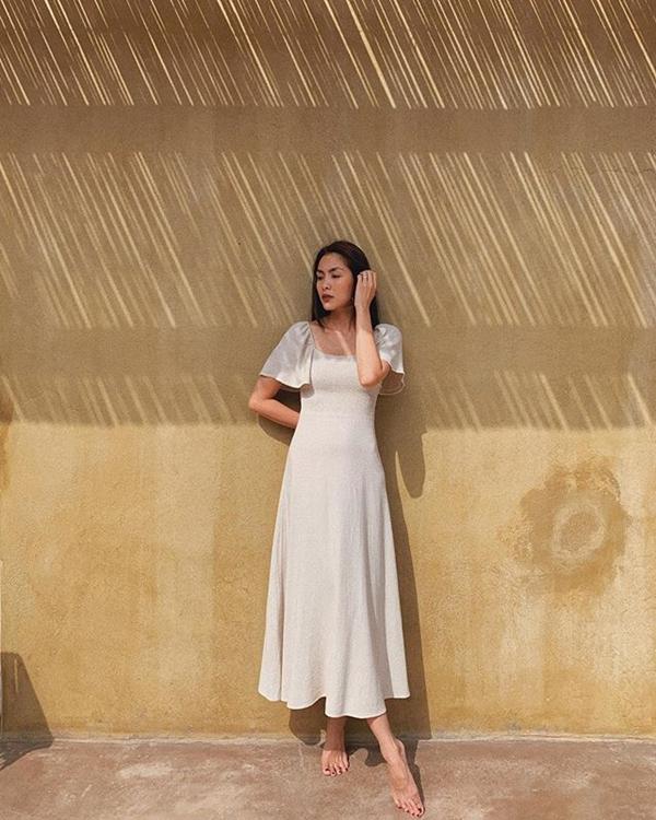 Đã mắt ngắm bộ sưu tập váy hè vừa mát mẻ lại 'sang xịn mịn' của Tăng Thanh Hà 7