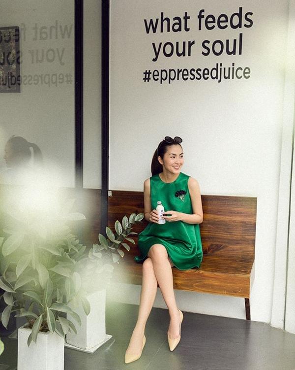 Đã mắt ngắm bộ sưu tập váy hè vừa mát mẻ lại 'sang xịn mịn' của Tăng Thanh Hà 14