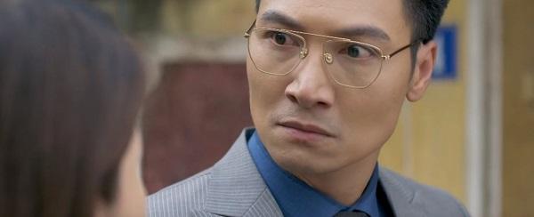 Phong bị Linh cho 'ra chuồng gà'.
