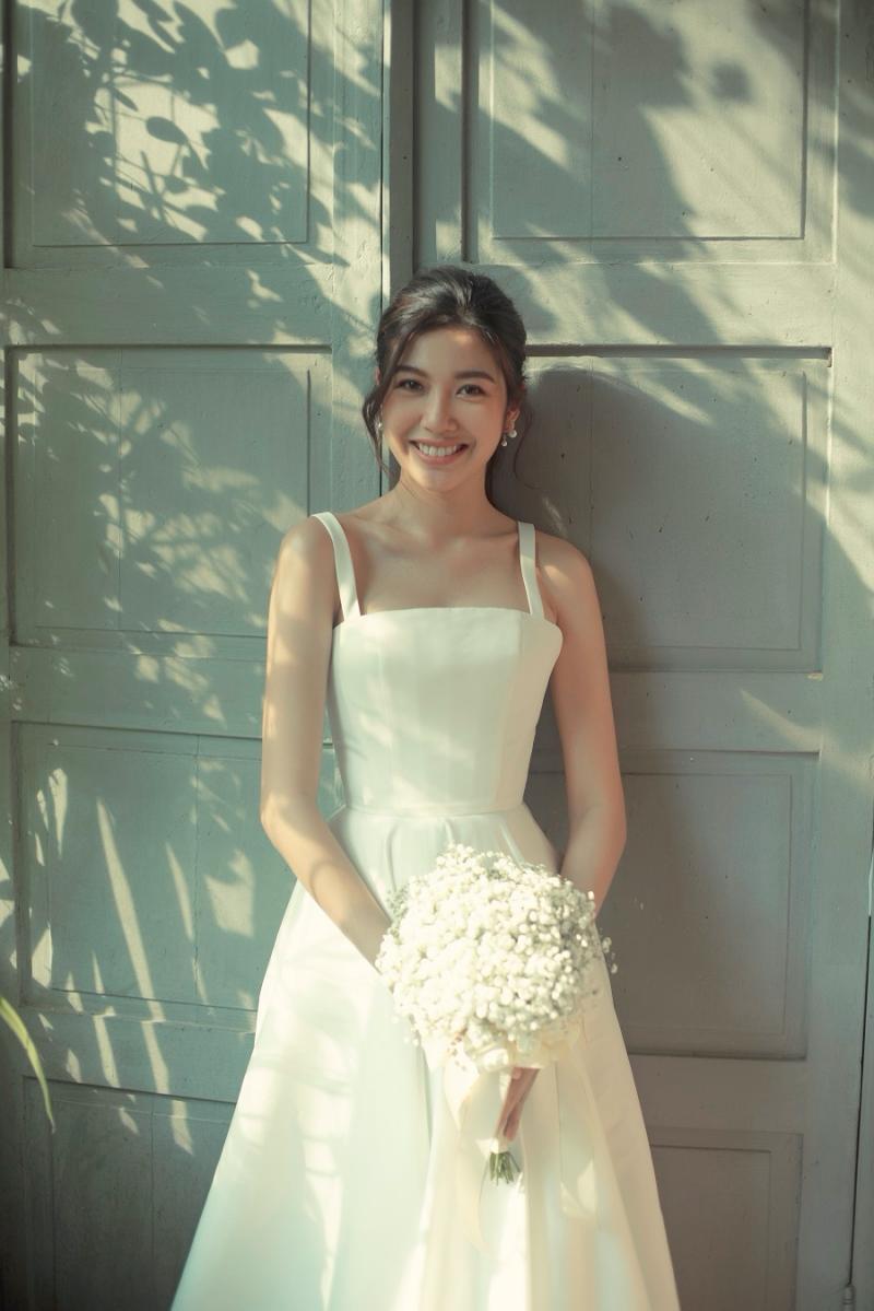 Vắng chú rể, Á hậu Thúy Vân vẫn cười ngọt ngào và hạnh phúc trong bộ ảnh cưới 'một mình' 2