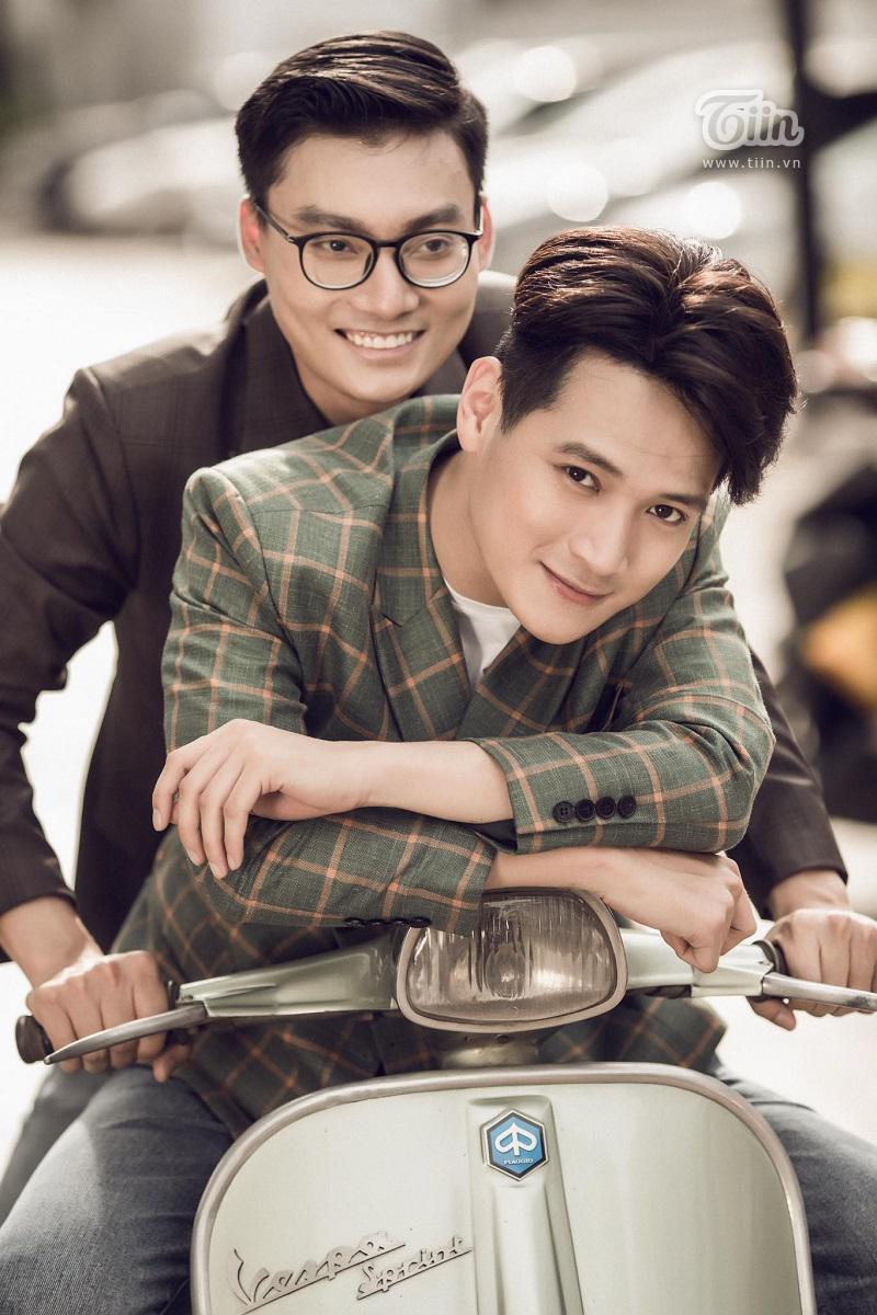 Cặp trai đẹp tung bộ ảnh kỷ niệm 1 năm yêu cực tình: Ai cũng có sự nghiệp và được gia đình hết sức ủng hộ 7
