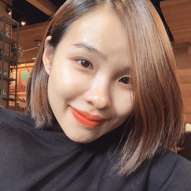 Bạn gái xinh xắn, có học thức cao của chàng cầu thủ gốc Nghệ An.
