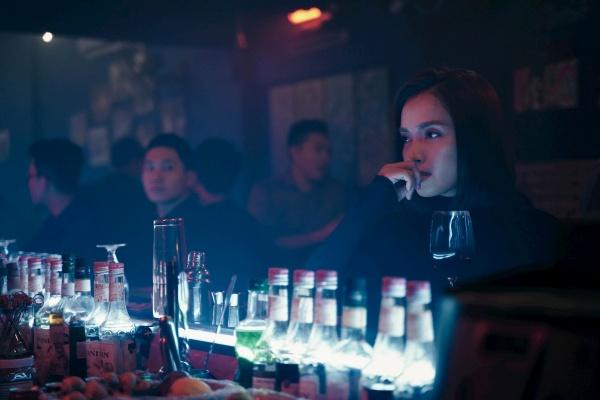 Trong phim Ái Phương vào vai Hòa, là một nữ trinh sát mang trách nhiệm bảo vệ nhân chứng,là một hình tượng đấu tranh cho chính nghĩa, cho quyết tâm bảo vệ công lý.