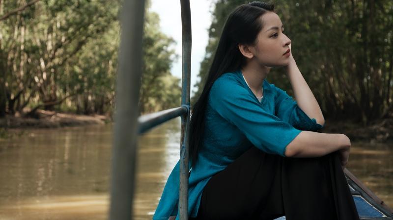 Tưởng đóng 'bách hợp', ai dè Chi Pu và Ngọc Trinh lại thành tình địch trong MV mới 8