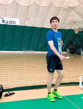 Bạn diễn Chẩm thượng thư - Cao Vỹ Quang có thời gian chơi tennis cũng như đăng bài viết mới nhưng lại không gửi lời chúc mừng sinh nhật đến đồng nghiệp