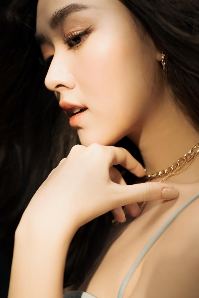 Khoe vẻ ngọt ngào trong bộ ảnh mừng tuổi mới, Tường San xứng danh Top 8 Miss International 3