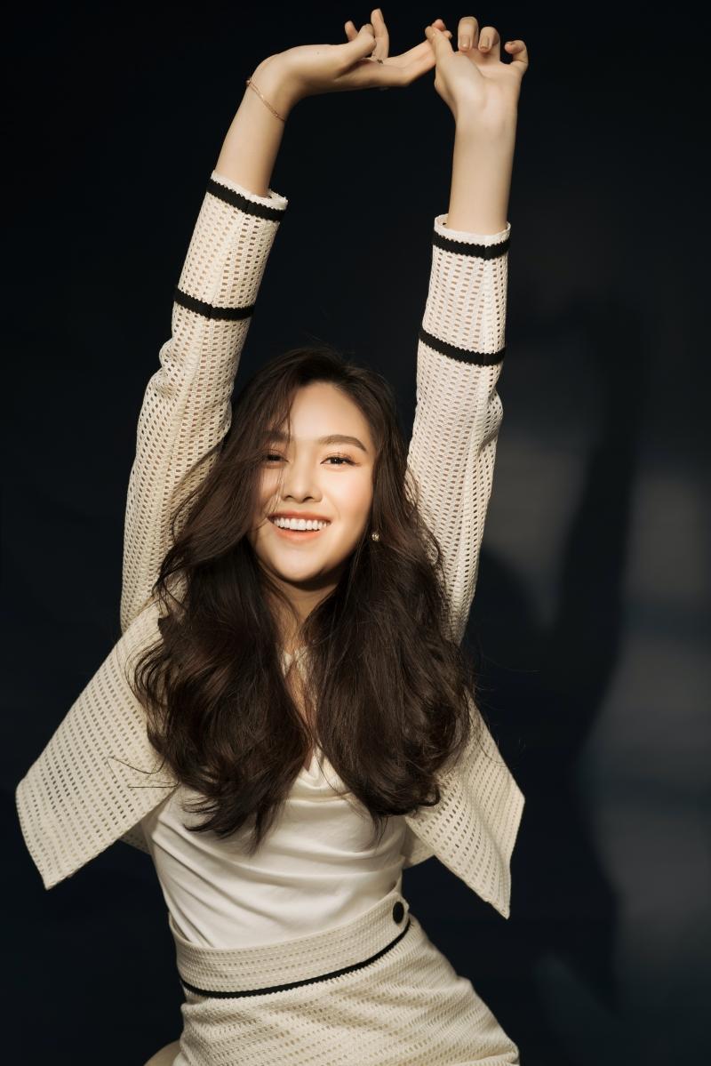 Khoe vẻ ngọt ngào trong bộ ảnh mừng tuổi mới, Tường San xứng danh Top 8 Miss International 5