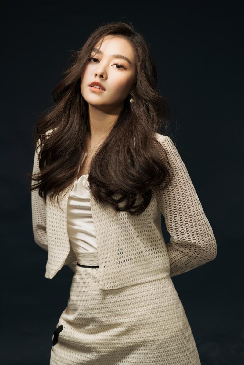 Khoe vẻ ngọt ngào trong bộ ảnh mừng tuổi mới, Tường San xứng danh Top 8 Miss International 6