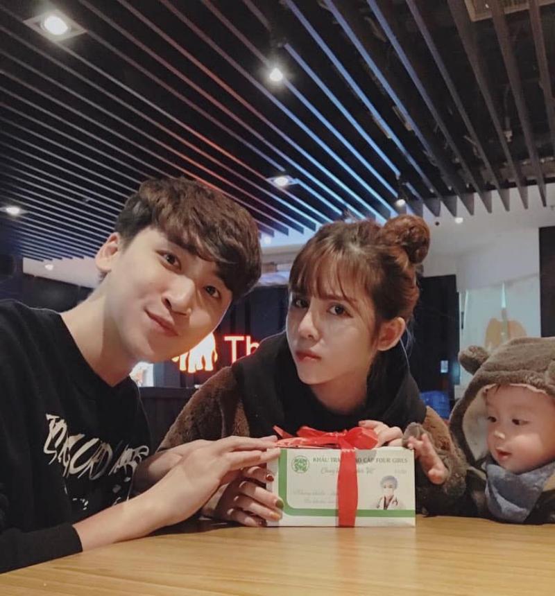 Gia đình nhỏ của Huy Cung.