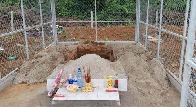 Ngôi mộ mà ông Đỗ Văn Minh xâm phạm