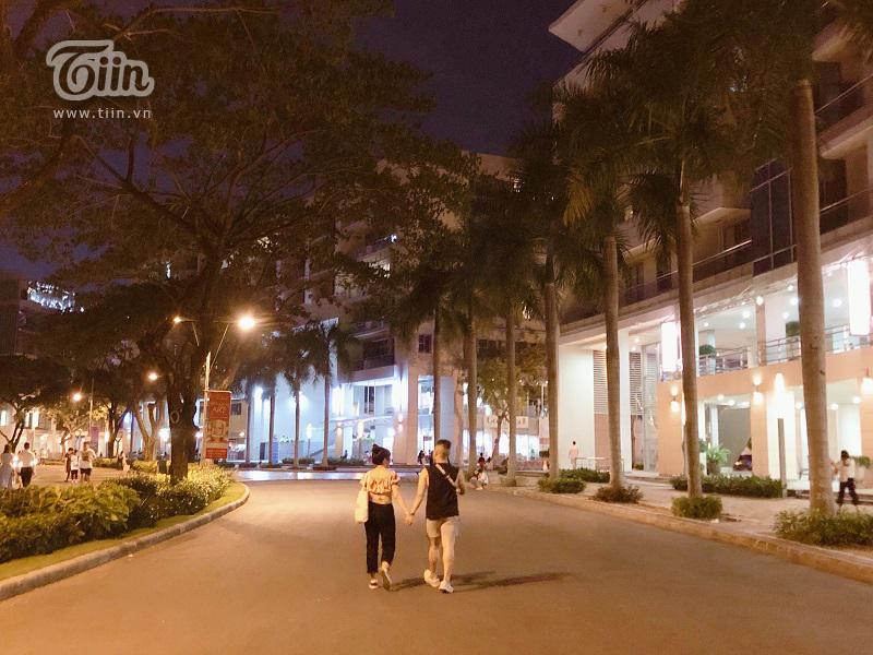 Cầu Ánh Sao - điểm hẹn hò lý tưởng của các cặp tình nhân Sài Gòn trong những đêm hè 1