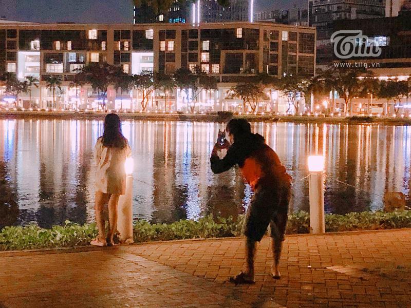 Cầu Ánh Sao - điểm hẹn hò lý tưởng của các cặp tình nhân Sài Gòn trong những đêm hè 2
