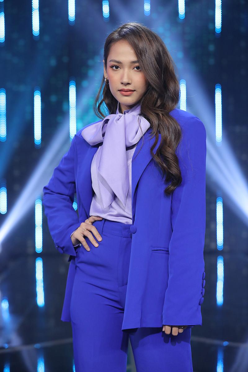 Nữ ca sĩ Cara Phương