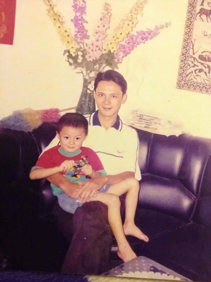 Hình ảnh ngày nhỏ của NoWay cho thấy anh chàng đã sở hữu gen trội của một cực phẩm từ rất sớm. Ánh mắt và nụ cười gần như không thay đổi cho đến khi anh chàng dậy thì.