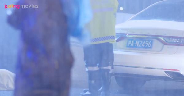 Tống Lẫm tinh mắt để ý thấy xe của Chu Phóng có mặt tại hiện trường.