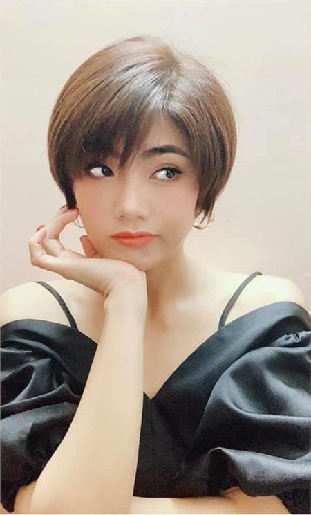 Chân dung bạn gái tin đồn của Tim: Là tình cũ Karik, nhan sắc không hề kém cạnh Trương Quỳnh Anh 2