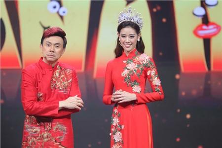 Hoa hậu Hoàn vũ Khánh Vân lần đầu mang vương miện tiền tỷ đầy kim cương lên sân khấu 2