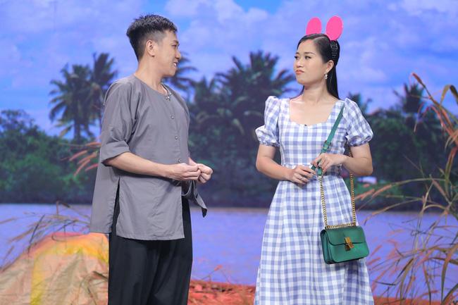 Hoa hậu Hoàn vũ Khánh Vân lần đầu mang vương miện tiền tỷ đầy kim cương lên sân khấu 4