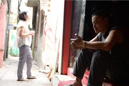 Chỉ sau mấy tiếng xảy ra vụ cháy căn nhà trọ sát vách, vợ chồng anh Thụ mất tiền bạc, suy sụp tinh thần.