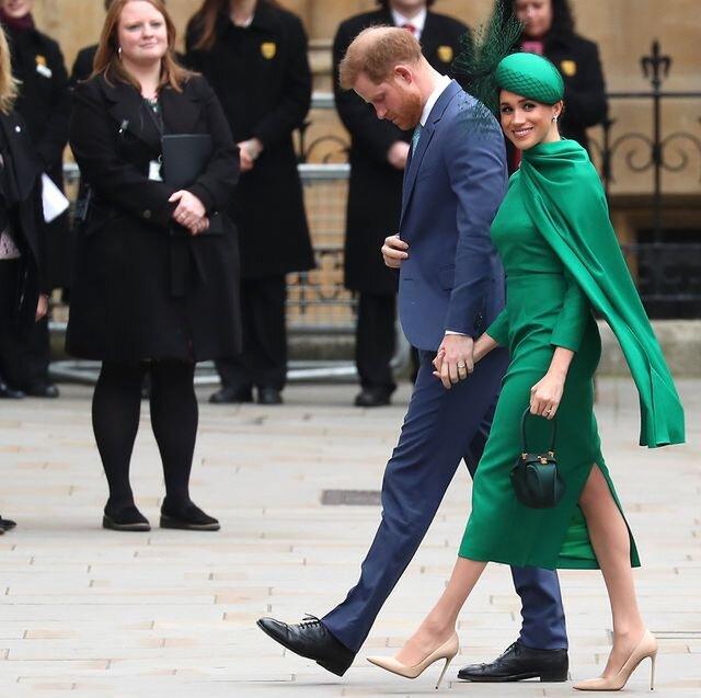 Nữ xứ Sussex luôn là tâm điểm của truyền thông trong những bộ váy áo đắt đỏ của các thương hiệu