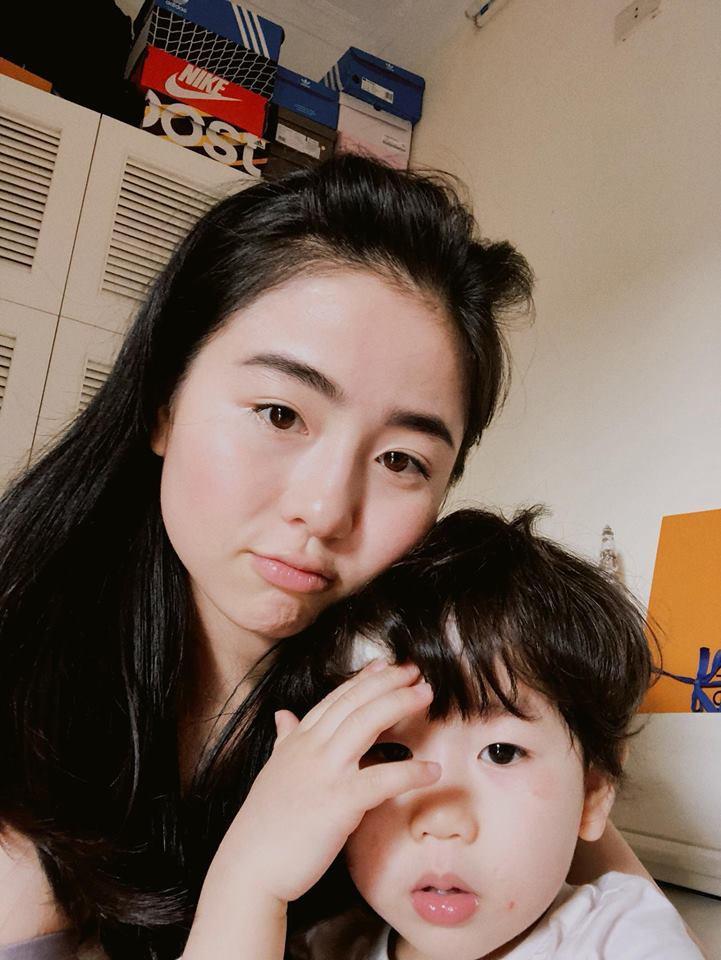 Hội hot mom đón Tết: Hằng Túi xúng xính cùng đàn con đi tiệc tất niên, Huyền Baby chuẩn bị về ngoại ăn Tết 10