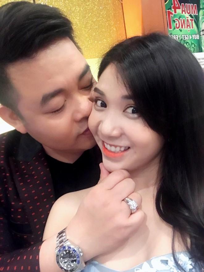 Quang Lê bất ngờ bày tỏ tình cảm với người yêu cũ, phản ứng của Thanh Bi lại gây tò mò 2