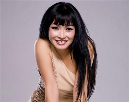 Phương Thanh từng bức xúc nhắc nhở các bầu show về việc trình bày thứ tự tên tuổi ca sĩ trên poster.