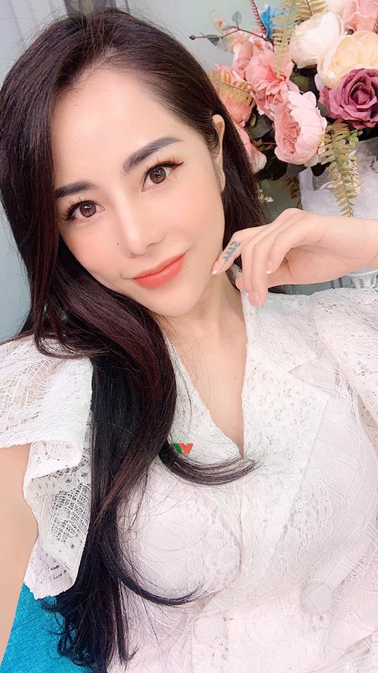 Bạch Lan Phương với gương mặt xinh đẹp.