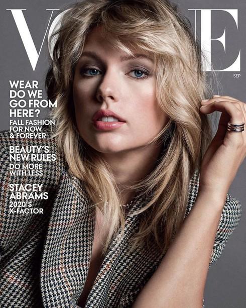 Số tháng 9 là ấn phẩm quan trọng nhất năm của Vogue đánh dấu thời điểm giao mùa và giới thiệu các bộ thời trang thu đông.