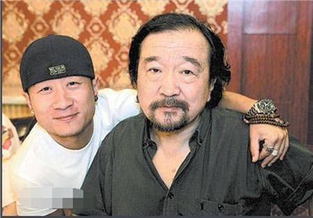 Xót xa trước hình ảnh tóc bạc trắng, già nua không ai nhận ra của 'Tể tướng Lưu Gù' 4