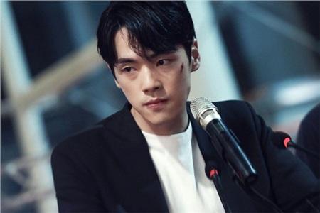 'Trai đẹp lừa đảo' của Crash Landing on You: Được yêu thích không kém Hyun Bin nhưng ngoài đời lại có thái độ 'không ra gì' với mỹ nhân SNSD 1