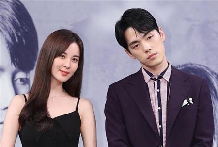 'Trai đẹp lừa đảo' của Crash Landing on You: Được yêu thích không kém Hyun Bin nhưng ngoài đời lại có thái độ 'không ra gì' với mỹ nhân SNSD 2