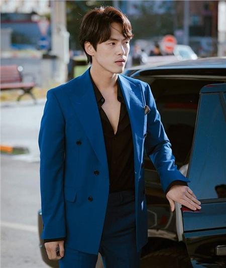'Trai đẹp lừa đảo' của Crash Landing on You: Được yêu thích không kém Hyun Bin nhưng ngoài đời lại có thái độ 'không ra gì' với mỹ nhân SNSD 6