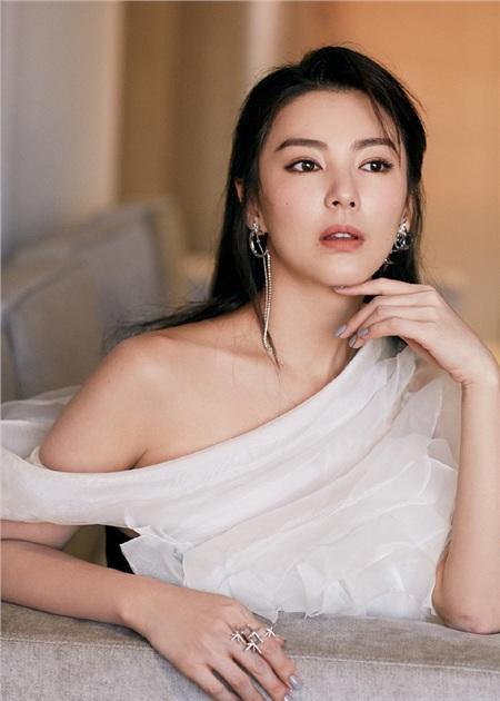 Những khoản phí chia tay giá trên trời của dàn mỹ nhân Hoa ngữ: 'Bản sao Song Hye Kyo' hay Tạ Na đều thua xa người đẹp này 1