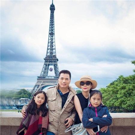 Gia đình Mỹ Lệ tại Paris