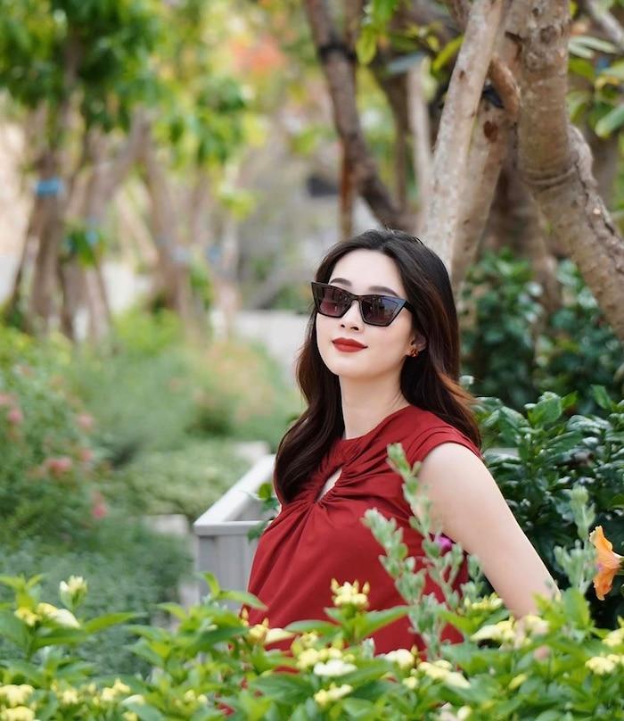 Hoa hậu Đặng Thu Thảo qua ống kính của ông xã: Có 'phát tướng' khi mang bầu nhưng nhan sắc vẫn đẹp bất chấp 2