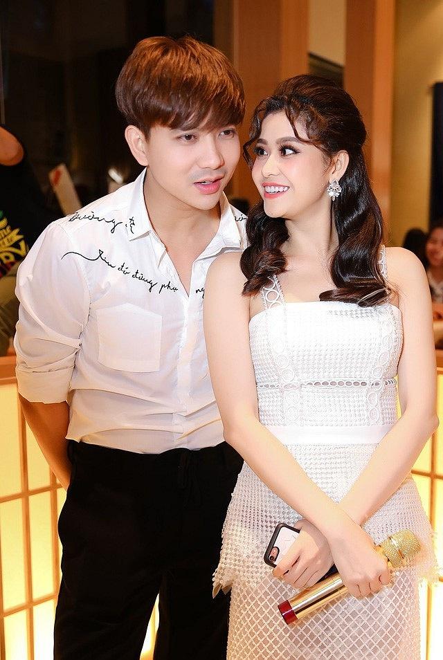 Tim đăng ảnh cô gái 'lạ mà quen' nhưng không phải Trương Quỳnh Anh, lại còn công khai nói lời yêu đương nồng thắm 2