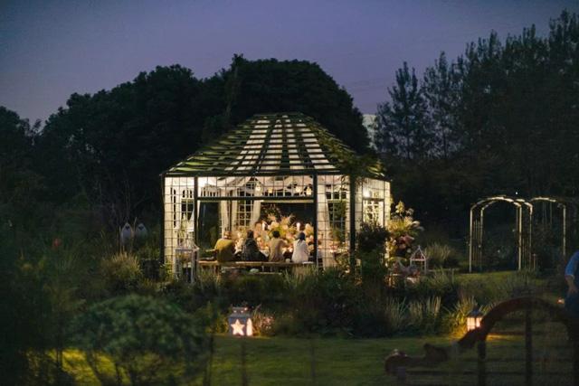 Khu vườn của vợ chồng trẻ là niềm mơ ước của nhiều người.