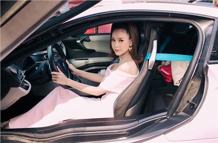 Hot girl Sam lên tiếng về mối quan hệ với Ngô Kiến Huy, tiết lộ 2 tuần đi cấp cứu 1 lần 4