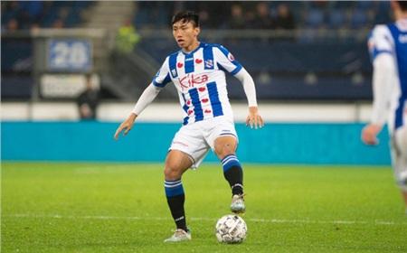 Chơi trọn vẹn một hiệp đấu, Đoàn Văn Hậu góp sức giúp Heerenveen ngược dòng ngoạn mục 0